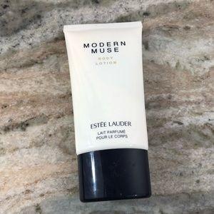 Estée Lauder Modern Muse Lotion
